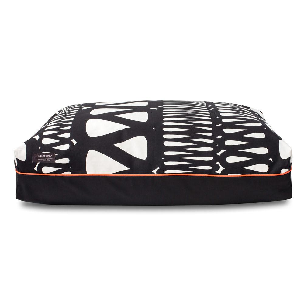 Cama Pillow Black & White