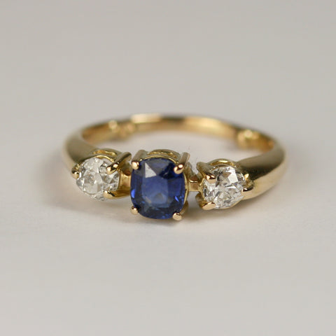 blue-sapphire-two-diamond-ring