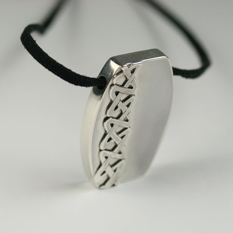 dog-tag-necklace
