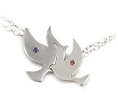 flying-bird-necklace-white-gold