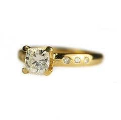 yellow-gold-claw-diamond-ring