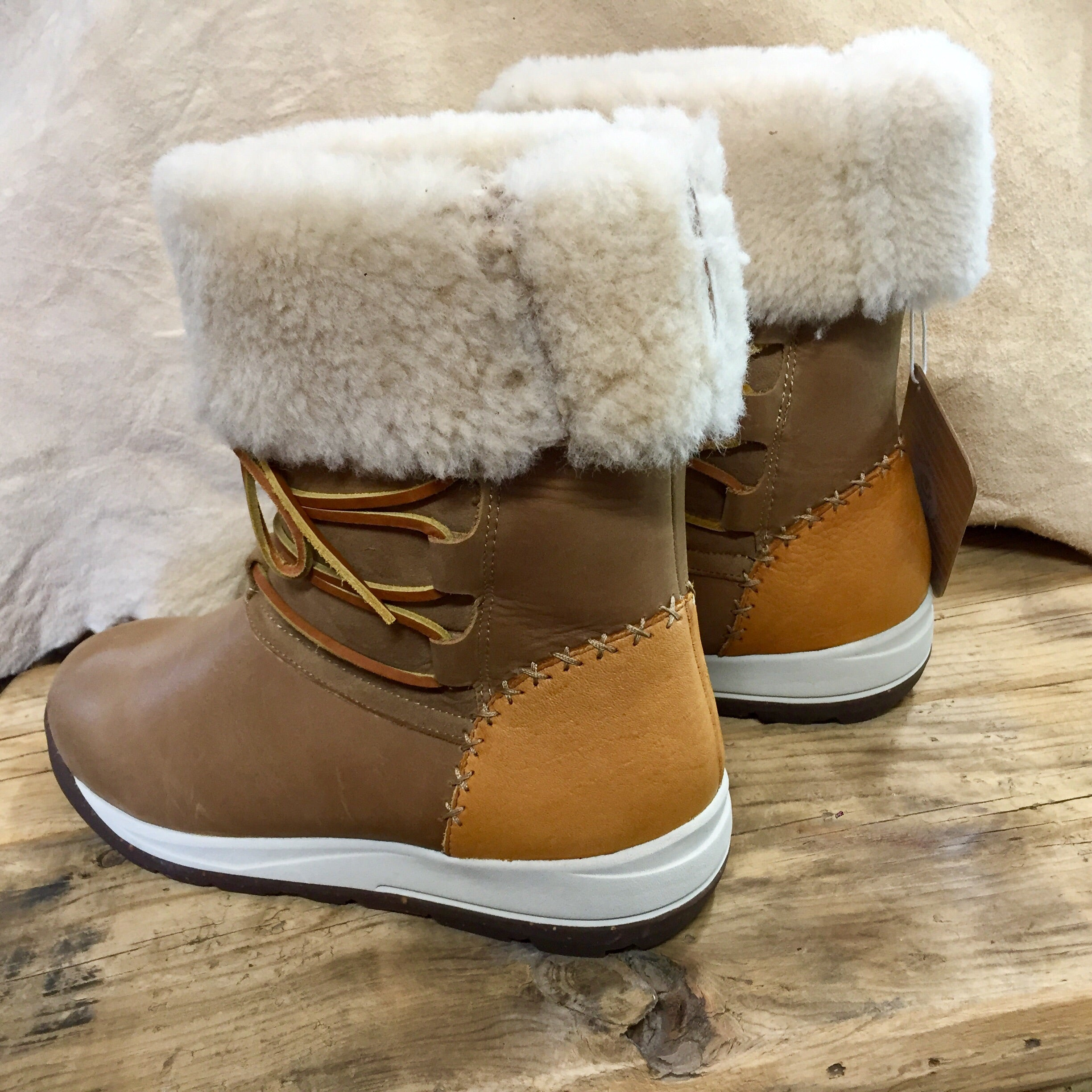 "ULU - Ladies ""Raven"" winter/snow/storm/everyday boot"