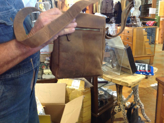 #2015. Klis leather messenger bag