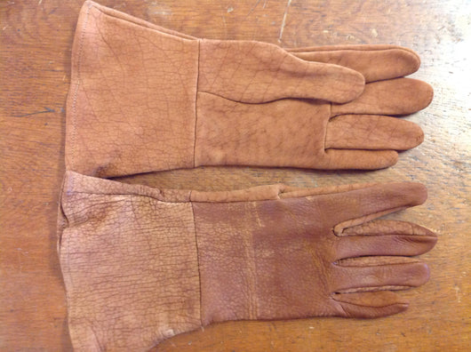 Long gauntlet bison leather riding/working glove