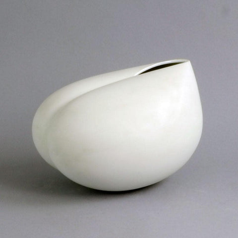 "Large porcelain ""Aphrodite"" form by Tapio Wirkkala for Rosenthal"