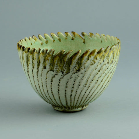Inke Lerch Brodersen, Germany, Bowl with jagged edge B3339