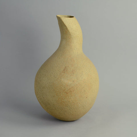 Unique stoneware vase by Betty Blandino N6971
