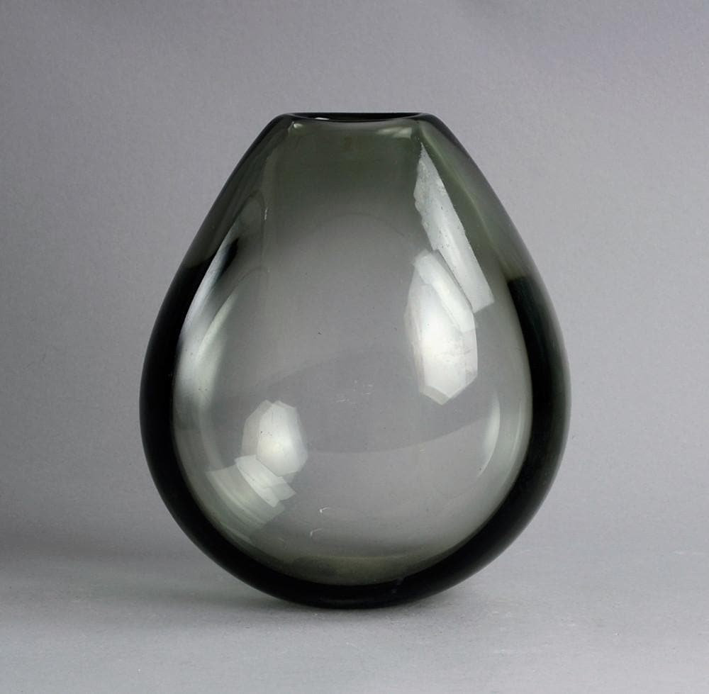Hand blown vase in gray glass by Per Lutken for Holmegaard