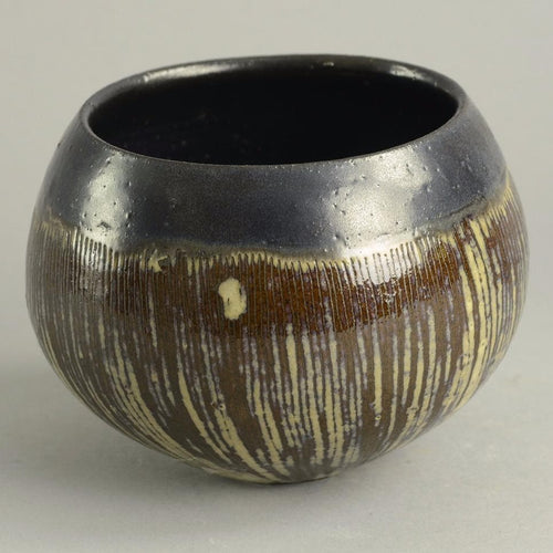 Unique stoneware bowl by Ingeborg and Bruno Asshoff B3386