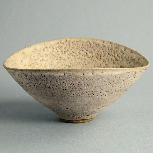 Unique stoneware bowl by Lucie Rie A1932