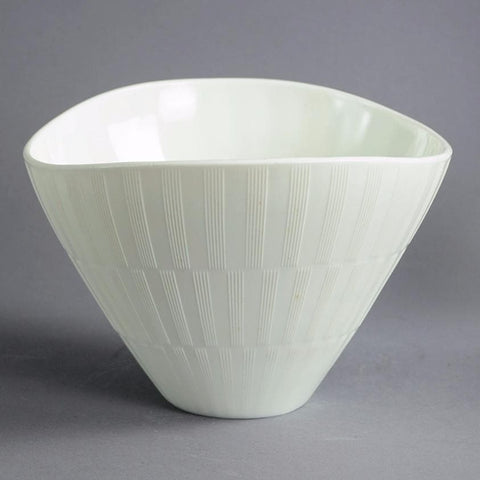 "White ""Randi"" bowl by Arthur Carlsson Percy for Gulluskrufs"