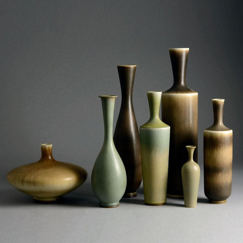Seven vases with brown glaze by Berndt Friberg for Gustavsberg