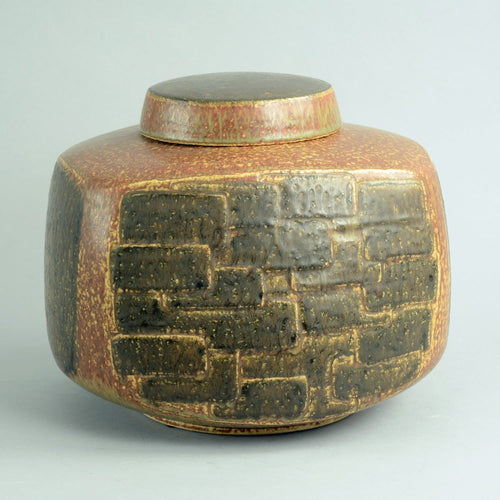 Large lidded vessel by Eva Staehr Nielsen