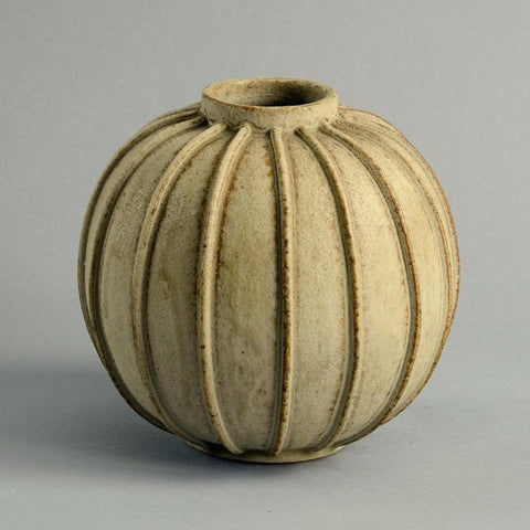 Stoneware ribbed vase by Arne Bang