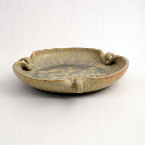 Dish with pinched rim by Arne Bang