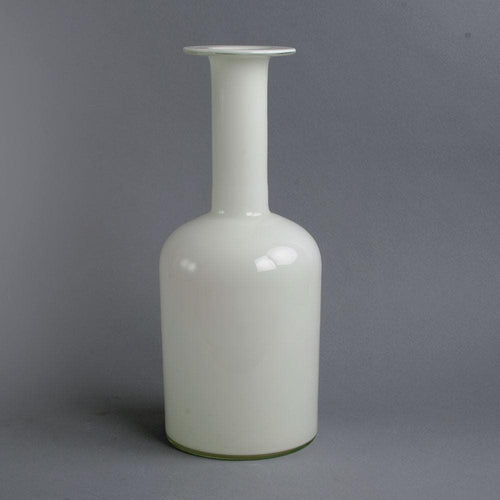 "White glass ""Carnaby"" vase by Per Lutken for Holmegaard"