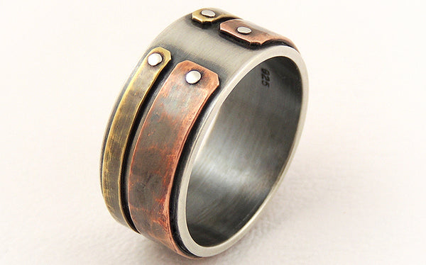 Unique ring for men with a unique rustic character