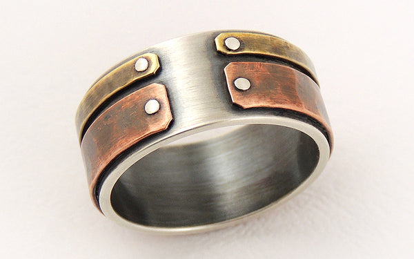 Unique ring for men with a rustic character