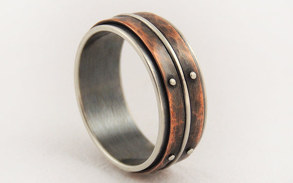 Unique men's wedding rings
