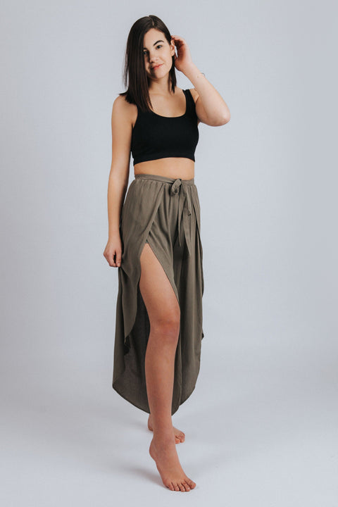 Tulip Crop Pants in Olive - Nell and Rose