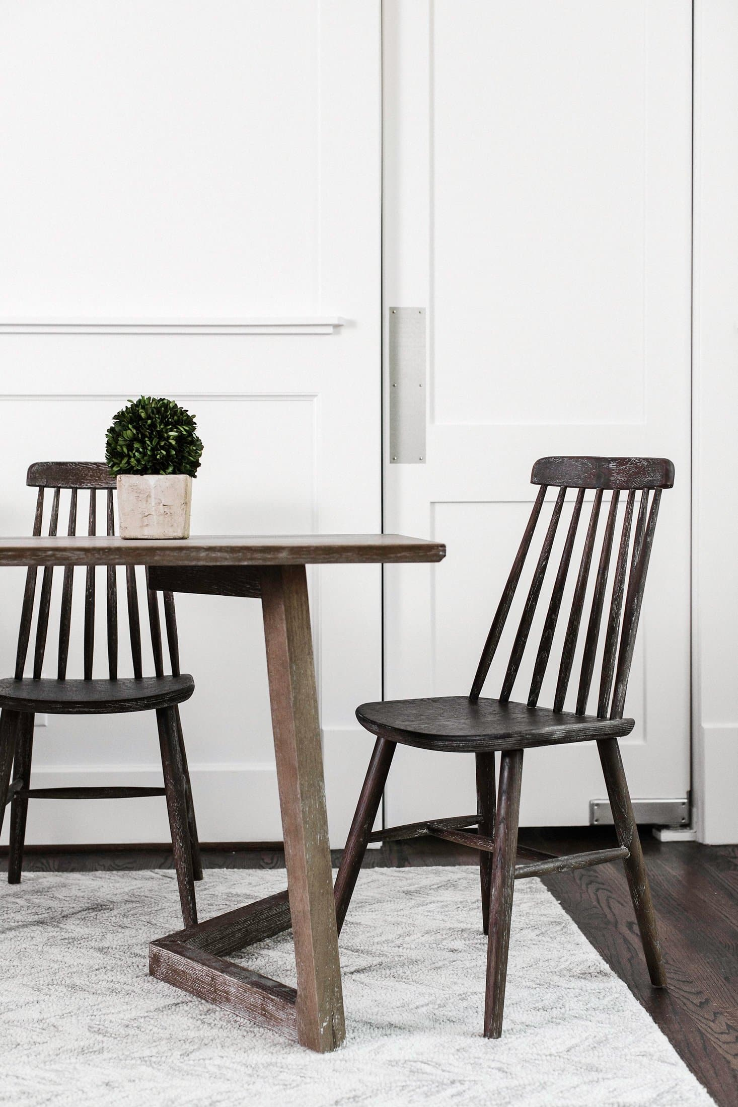 Boxwood Dining Chair Set of 2 – Edloe Finch Furniture Co