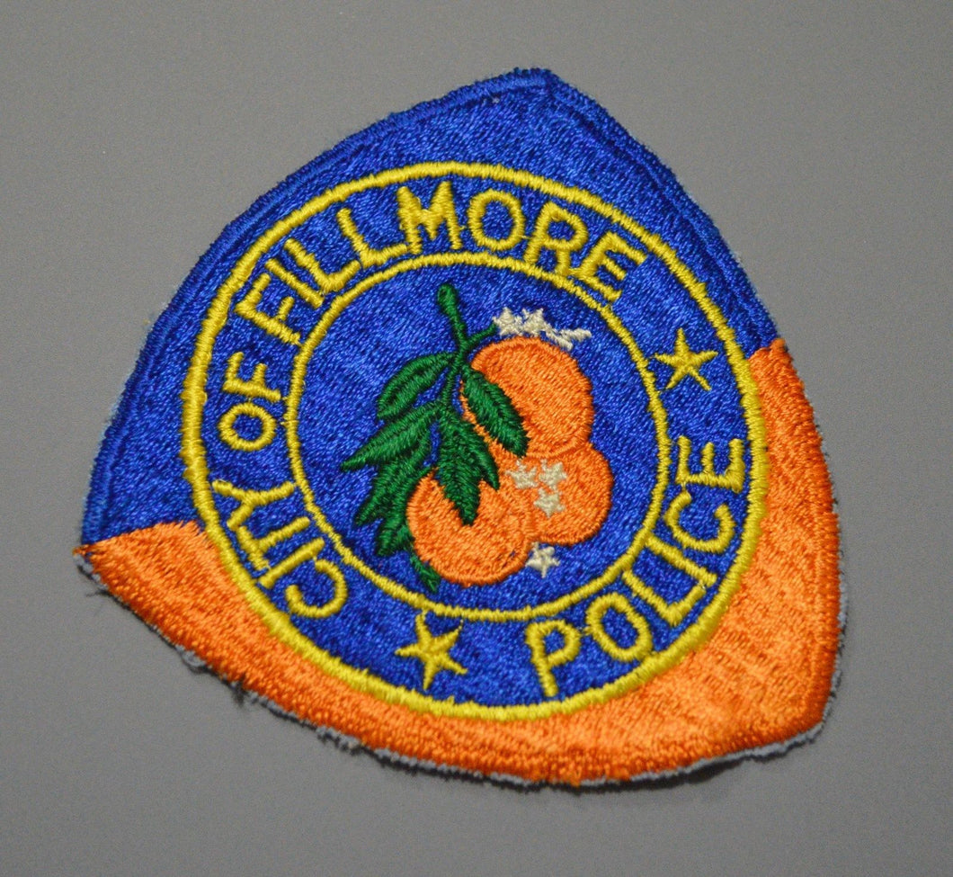 Old Fillmore California Police Patch ++ Defunct Cut border type