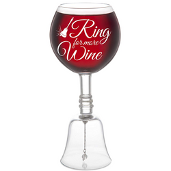 morsomt-vinglass-med-bjelle-ring-for-more-wine-festogmoro.no