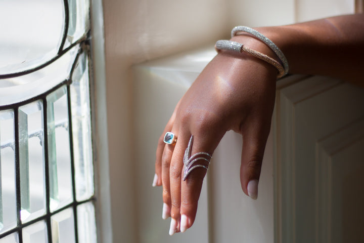 The Power and Beauty of Magnetic Jewelry
