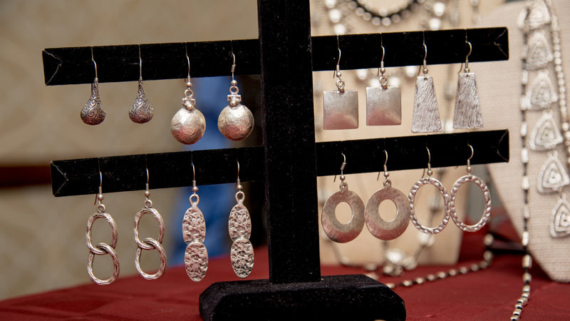 Tips for Organizing YOUR Jewelry!