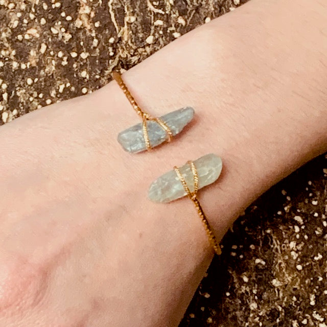 Bracelet - Antika - Two Stone Thin Squeeze Aquamarine