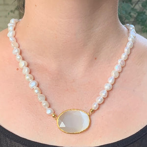 Necklace - Antika - Pearl and Moonstone