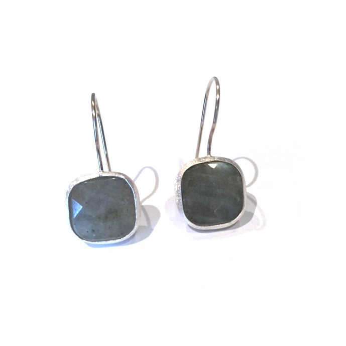 Earrings - Silver - Single Stone Medium Labradorite