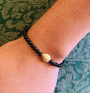 Bracelet - Antika - Small Black Onyx Gemstone with 24k Gold Vermeil Beads