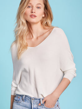 Wide V-Neck Seamless Long Sleeve Top