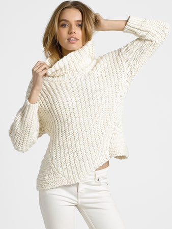Wool Blend Chunky Knit Turtleneck Sweater