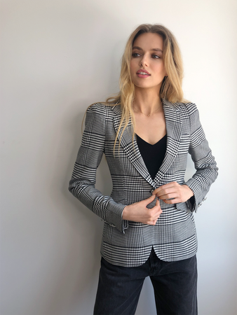 Plaid Shoulder Pleat Buttoned Jacket