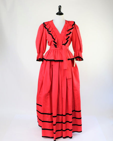 Vintage Red and Black Lumberjack Plaid 1950's Dressing Gown / Hostess Dress with over sized pockets and cuffed sleeves