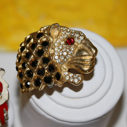 Cowardly Lion: Vintage Jeweled Lion Head Cocktail Statement Ring