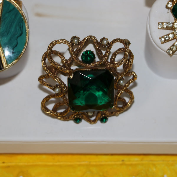 Vintage Costume Jewelry: Gold and Emerald Brooch