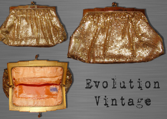 Vintage Late 1940's / Early 1950's Whiting and Davis Gold Metal Mesh Evening Purse/Clutch