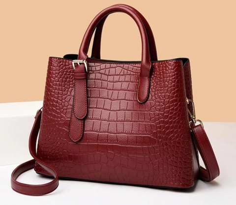womens-leather-tote-office