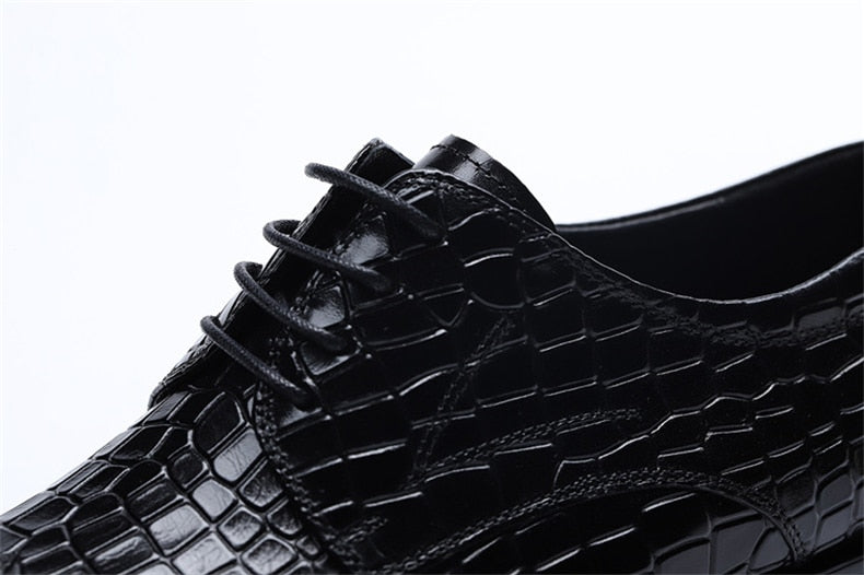 Crocodile Texture Lace Up Leather Pointed Toe Brogue Dress Shoes