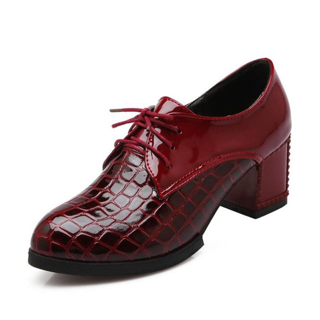 Crocodile Pattern Square Heel Round Toe Lace-Up PU Shoes