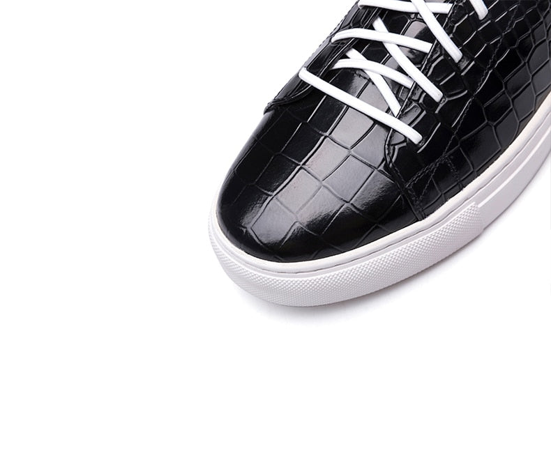 Embossed Crocodile Pattern Designer Flat Sneakers Casual Shoes