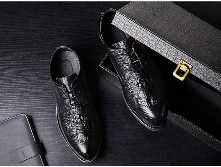 Exotic Embossed Pattern Lace-Up Pointed Toe PU Leather Casual Derby Shoes
