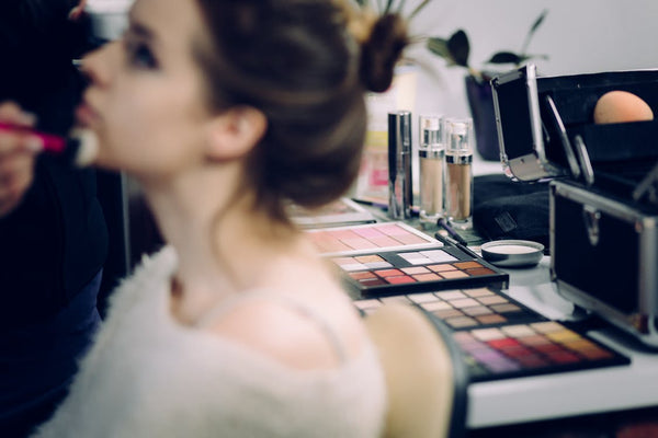 Essential Guide to All Day Makeup 5
