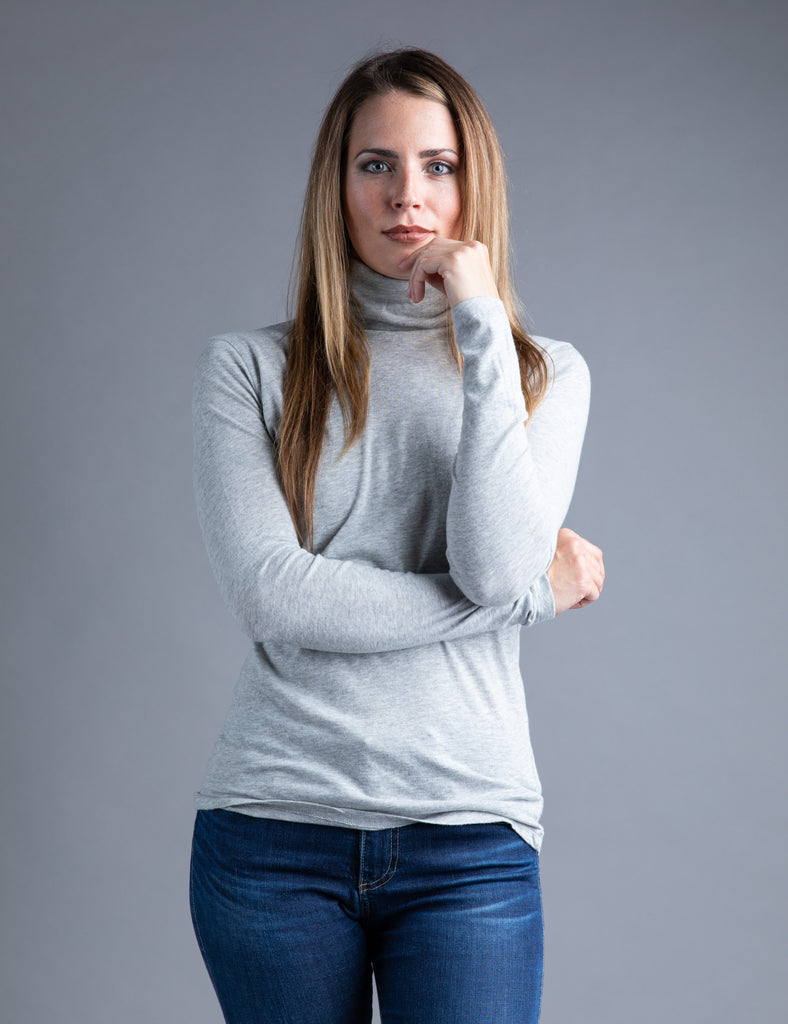 Majestic Long Sleeve Cotton/Cashmere Turtleneck in Brume Chine