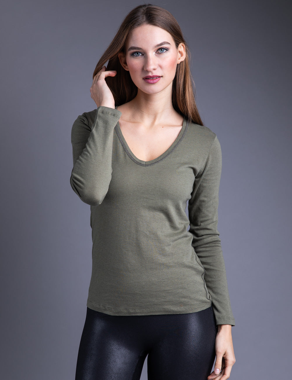 Majestic Long Sleeve Cotton/Cashmere V-Neck W/ Metallic Trim in Army