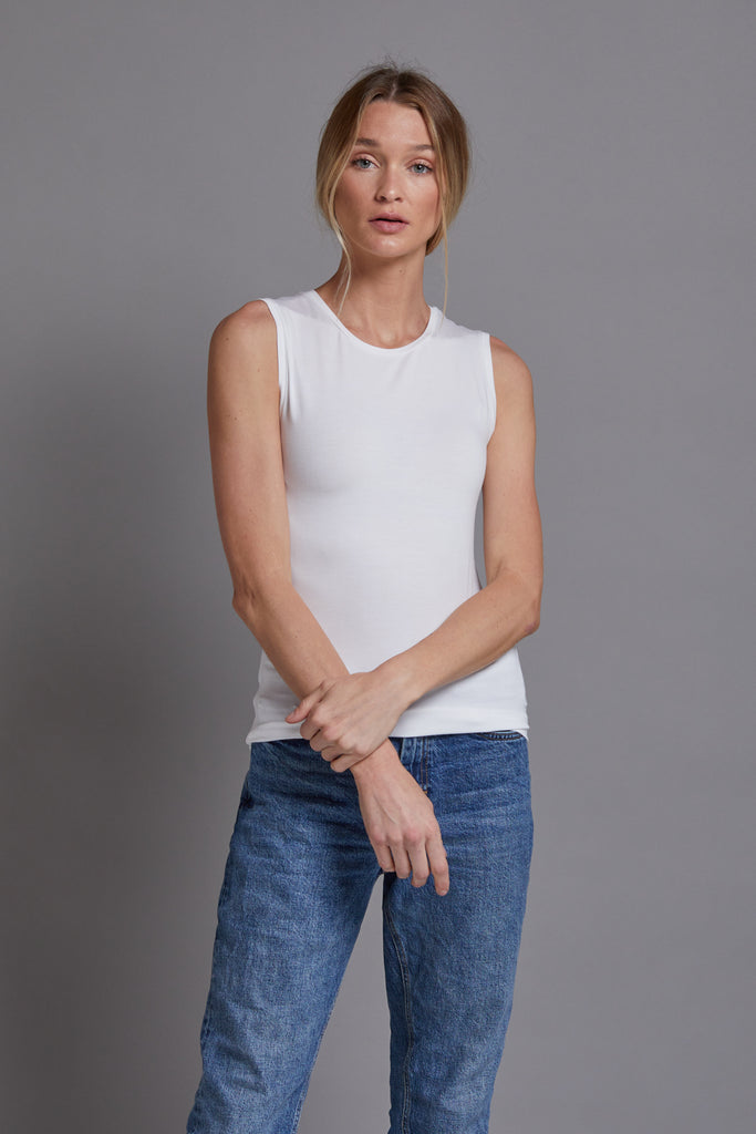 Majestic Sleeveless Tank in Blanc