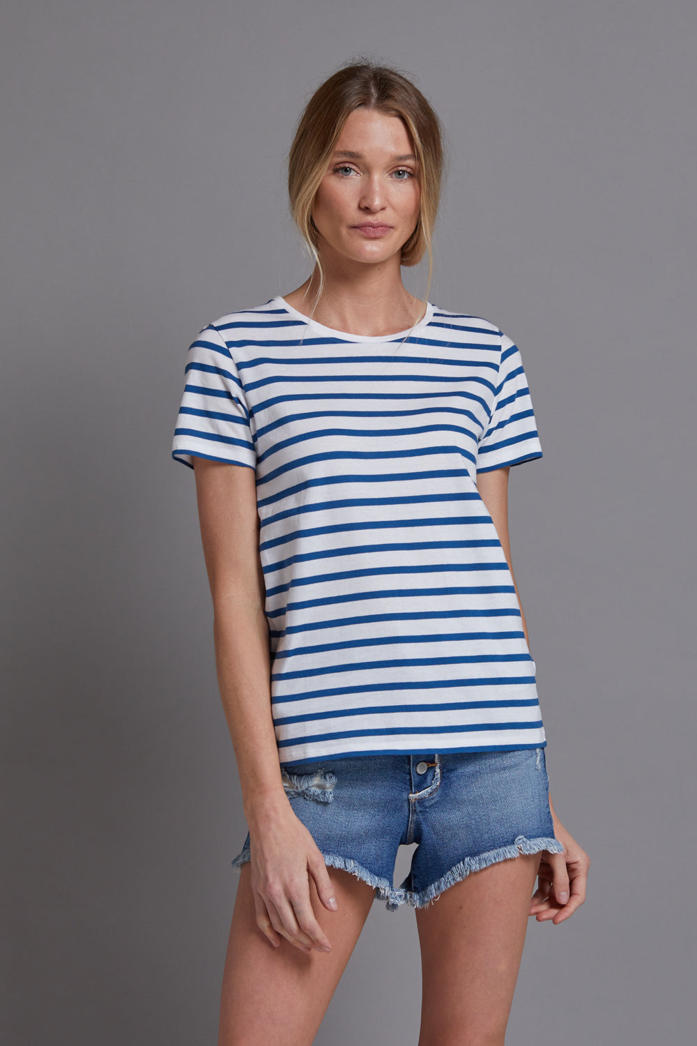 Majestic Short Sleeve Cotton Striped Crewneck in Blanc/Notte